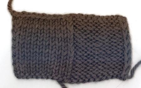 Maglia rasata (a sinsitra) e maglia rasata rovescia (a destra)