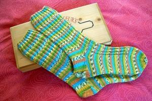 I calzini facili a coste su Maglia-Uncinetto.it