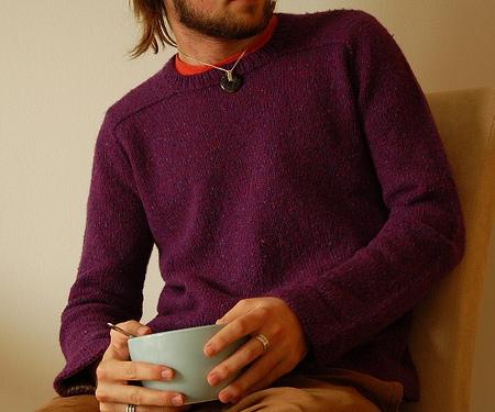 Usando l'EPS e le istruzioni di EZ Jared Flood ha realizzato questo maglione dalla vestibilità perfetta (foto di Brooklyntweed)