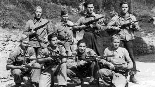 """Partigiani della Divisione Garibaldi """"Cichero""""."""
