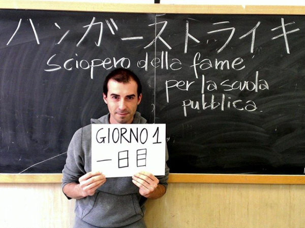 Francesco Comotti, in sciopero della fame per il diritto al lavoro (suo) e allo studio (dei suoi studenti)