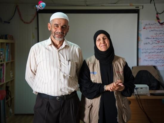 Un Shadee con il marito Abu, foto di Sumaya Agha per Mercy Corps