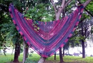 Clicca sulla foto per scaricare lo scialle Purple Wage