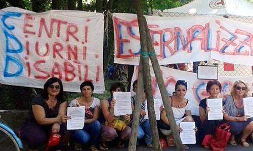 Manifestazione contro l'esternalizzazione e la chiusura parziale dei Centri Diurni per Disabili, decisa dall'amministrazione Chittò