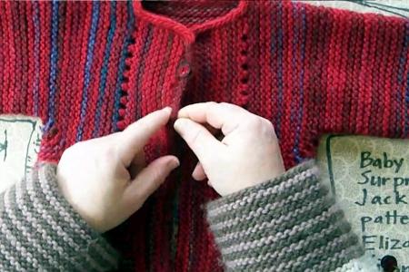 Molti corsi di questo mese sono sulla Baby Surprise Jacket