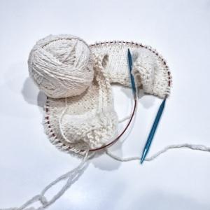 Prototipo di maglia a pezzi cuciti con Amore Cotton