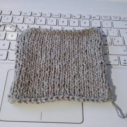 Un semplice campione a maglia rasata già fornisce informazioni preziose per la creazione di un modello.