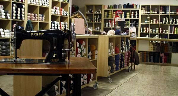 La sala di vendita da Le vie della Lana a Chiari (BS)