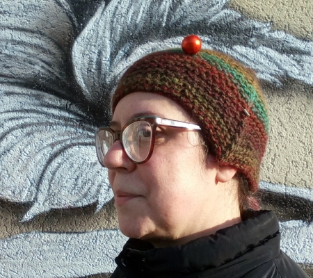 Cappellino da donna a maglia legaccio
